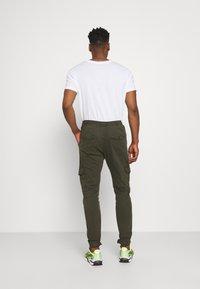 Brave Soul - Pantaloni cargo - light khaki - 2