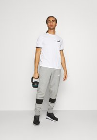 Puma - COLORBLOCK PANTS - Pantalon de survêtement - medium gray heather - 1