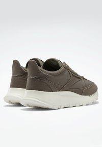 Reebok Classic - LEGACY  - Sneakers - grey - 2