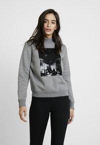 Calvin Klein Jeans - MOCK NECK - Mikina - mid grey heather - 0