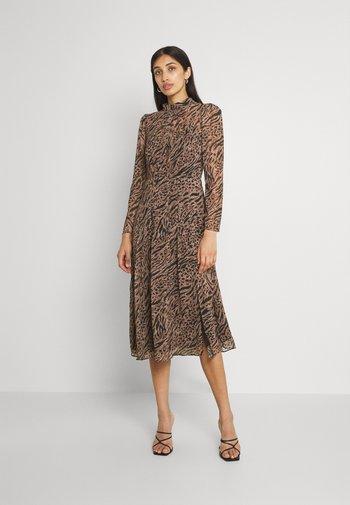 LONG SLEEVE MIDI DRESS - Sukienka letnia - brown