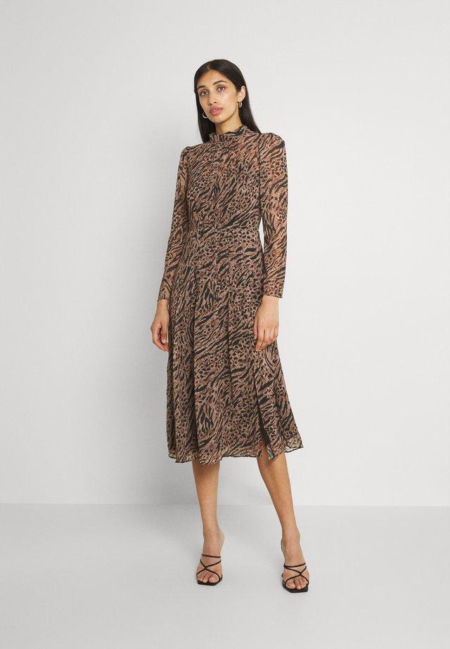 LONG SLEEVE MIDI DRESS - Robe d'été - brown