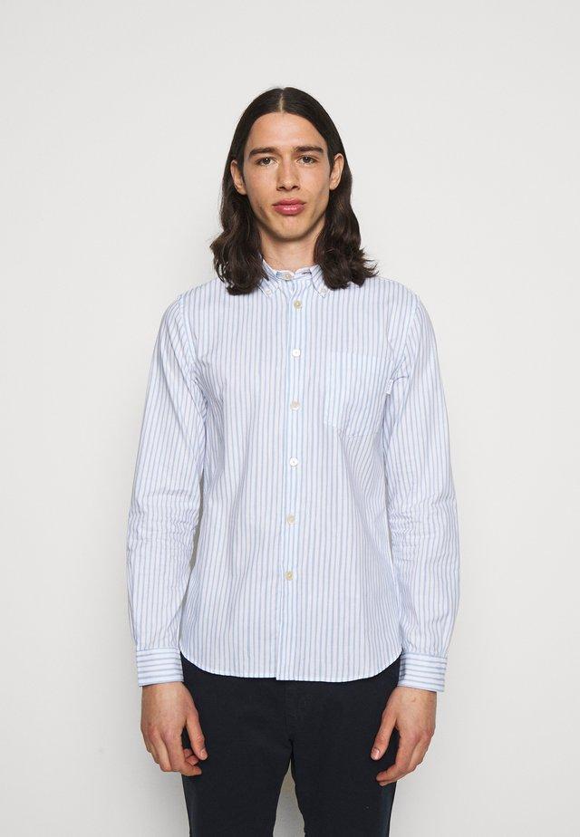 MEN TAILOREDFIT - Hemd - white