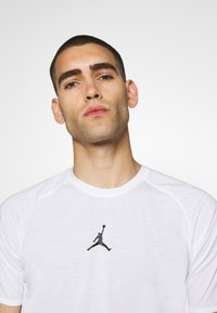 Jordan - AIR - T-shirt imprimé - white/black - 3