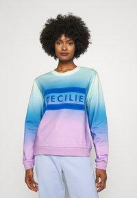 CECILIE copenhagen - MANILA RAINBOW - Sweatshirt - pastel green - 0