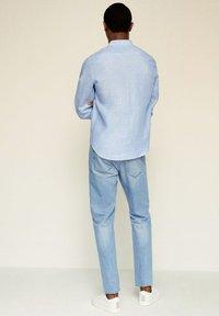 Mango - SLIM FIT  - Shirt - hemelsblauw - 2