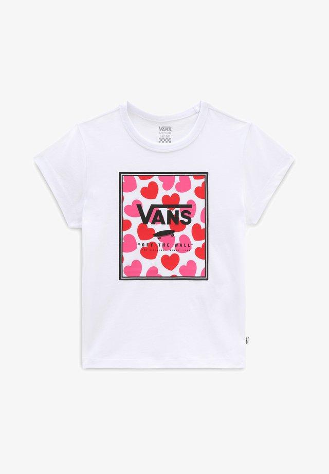 GR BOXED HEARTS - Camiseta estampada - white