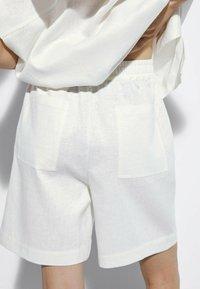 Massimo Dutti - Short - white - 2