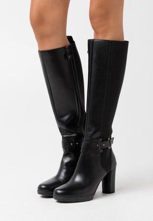 ANYLLA - Kozačky na vysokém podpatku - black