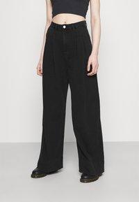Monki - NANI PALAZZO - Jeans a sigaretta - black dark - 0