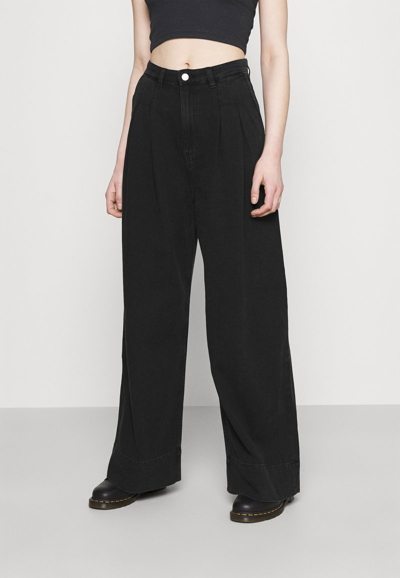 Monki - NANI PALAZZO - Jeans a sigaretta - black dark