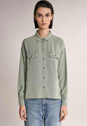 GEORGIA  - Button-down blouse - grün