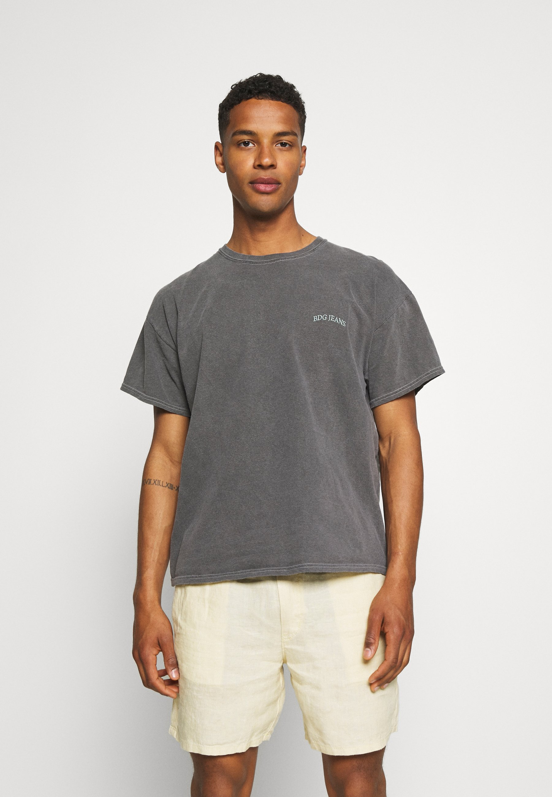 Herrer LOGO EMBROIDERED TEE UNISEX - T-shirts basic
