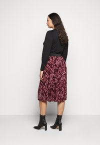 CAPSULE by Simply Be - FLORAL PLEAT MIDI SKIRT - A-line skirt - berry - 2