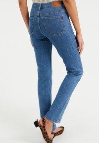 WE Fashion - MET SUPER STRETCH - Jeans slim fit - blue - 2