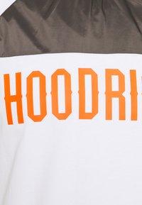 Hoodrich - Print T-shirt - white/grey - 2