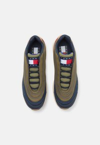Tommy Jeans - HERITAGE MODERN RUNNER - Trainers - army green - 3