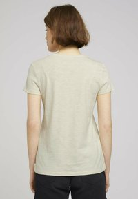 TOM TAILOR DENIM - Print T-shirt - soft creme beige - 2