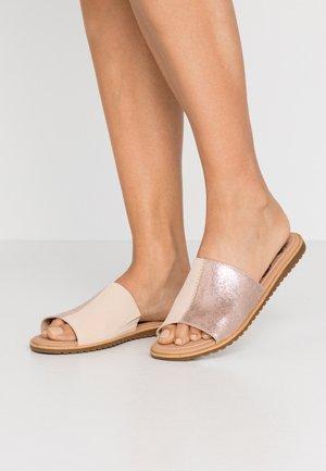 ELLA BLOCK SLIDE - Pantofle - natural/tan