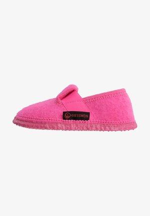 TÜRNBERG - Chaussons - pink