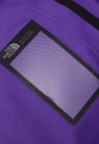 The North Face - BASE CAMP DUFFEL M UNISEX - Sac de sport - purple/black - 6