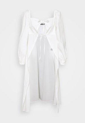 MAGGIORE - Bluser - white