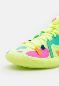 adidas Performance - HARDEN STEPBACK 2 UNISEX - Basketbalové boty - hi res yellow/crew yellow/royal blue - 5