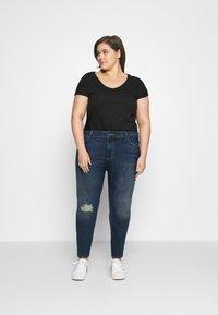 Pieces Curve - PCDELLY - Jeans Skinny Fit - medium blue denim - 1
