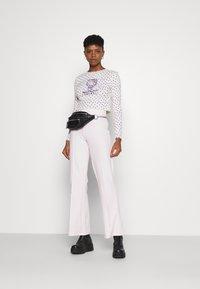 NEW girl ORDER - POINTELLE - Long sleeved top - purple/cream - 1
