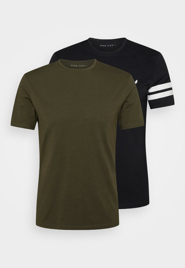 2 PACK - T-shirt con stampa - black/olive