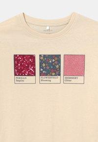Name it - NKFLESAL BOXY - T-shirt con stampa - whitecap gray - 2