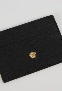 Versace - Geldbörse - nero/oro caldo - 2