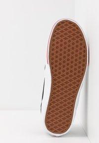 Vans - ROWLEY - Skate shoes - black/red - 4