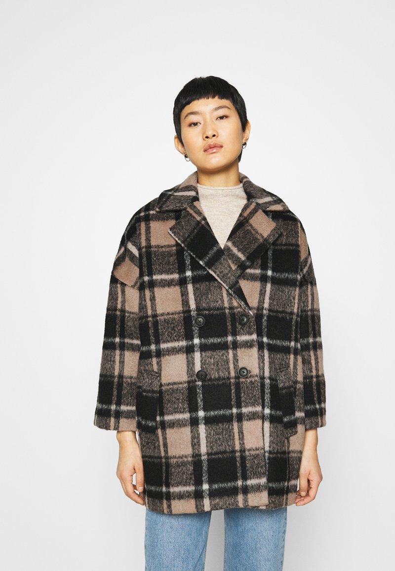 JUST FEMALE - CHELSEA COAT - Zimní kabát - walnut