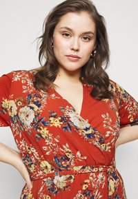 New Look Curves - HI LO FLORAL DRESS - Day dress - red - 3