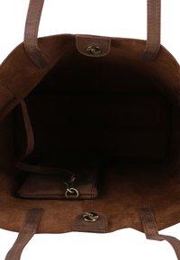 Gusti Leder - Tote bag - dark brown - 3