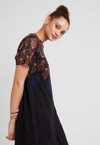 Desigual - VEST MEXICAN - Vestido informal - black - 4