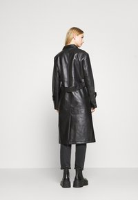 4th & Reckless - LANCER - Trenchcoat - black - 2