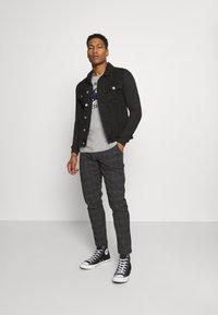 Redefined Rebel - KING PANTS - Kalhoty - dover check - 1