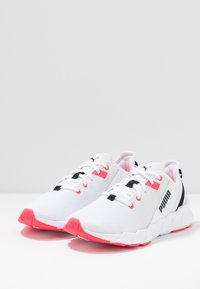 Puma - WEAVE XT - Zapatillas de running estables - white/pink alert - 2