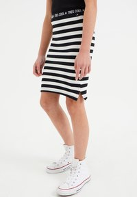 WE Fashion - Mini skirt - all-over print - 1