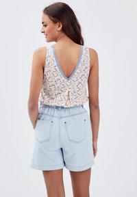 BONOBO Jeans - Camiseta estampada - blanc - 2