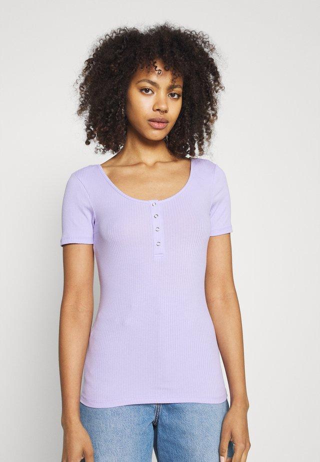 PCKITTE - Basic T-shirt - lavender