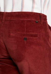 Farah - Pantaloni - burnt red - 5