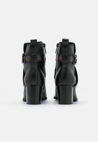 Guess - PATINA - Classic ankle boots - black - 3