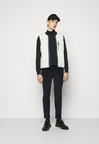 PS Paul Smith - REVERSIBLEGILET - Waistcoat - black - 1