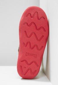 Camper - KIDDO - Winter boots - grey/pink - 5