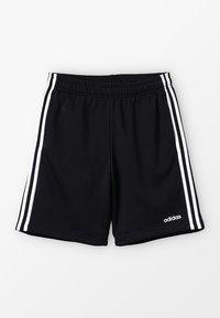 adidas Performance - BOYS ESSENTIALS 3STRIPES SPORT 1/4 SHORTS - Krótkie spodenki sportowe - black/white - 0
