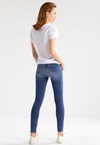 Zoe Karssen - ROUND NECK LOOSE FIT TEE - Basic T-shirt - optical white - 2