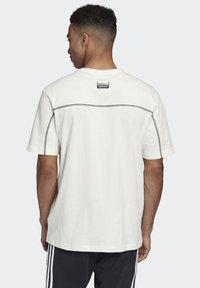 adidas Originals - R.Y.V. T-SHIRT - Print T-shirt - white - 1